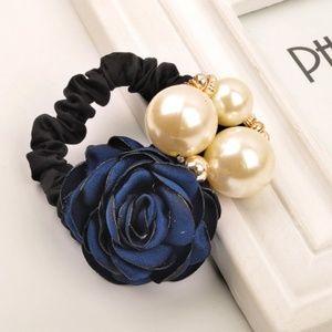 ★ 4/$15  Pearl Rose Hair Rope